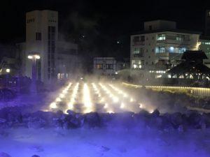 夜の草津温泉湯畑